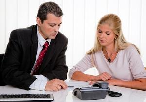 Eine professionelle Schuldnerberatung durch einen Anwalt oder eine andere Stelle hilft Ihnen, Ihr Schuldenproblem zu lösen.