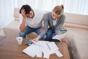 Sprechen Sie mit Ihrer Familie oder Freunden über Ihre Schulden. Das verschafft zumindest seelische Erleichterung.