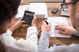 Wer kann verzweifelten Schuldnern helfen? Bei Mietschulden ist es häufig sinnvoll, eine Schuldnerberatung aufzusuchen.